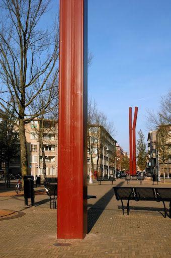 Dubbele rode kolom, een geknikt en enkele rode kolom - 136642